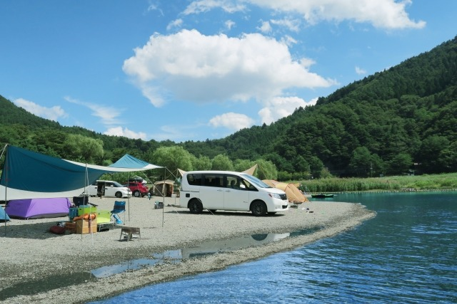 西湖・湖畔キャンプ場