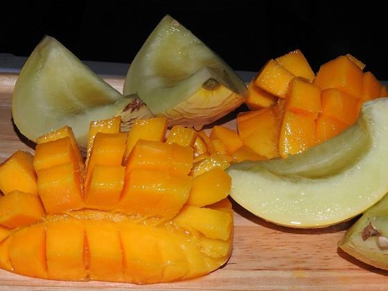 マンゴーとなんとかメロン