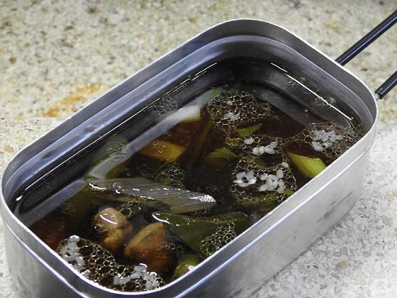 カモ鍋の残りを入れます