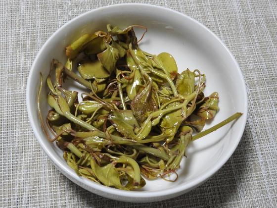 サルトリイバラの炒め物