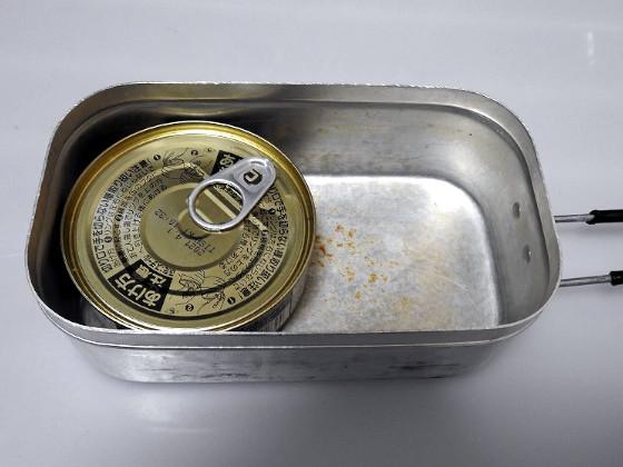トランギアのメスティンにはいなばの缶詰カレーが入る
