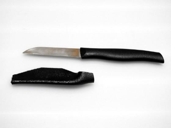 ヘンケルスの果物ナイフとカイデックスのシース(製作中)